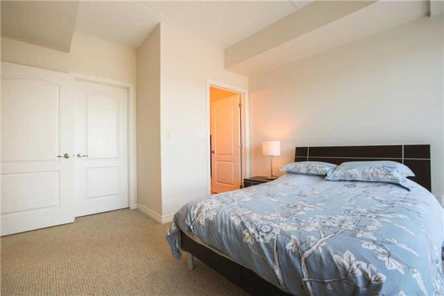 Condo Apartment at 1419 Costigan Rd, Unit 401, Milton, Ontario. Image 8
