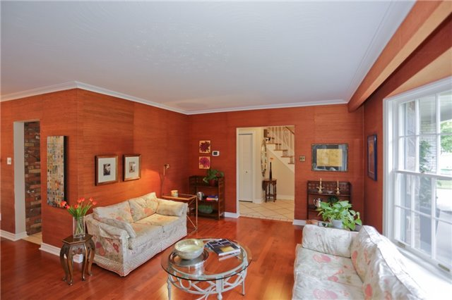 Detached at 86 Mill Rd, Toronto, Ontario. Image 12