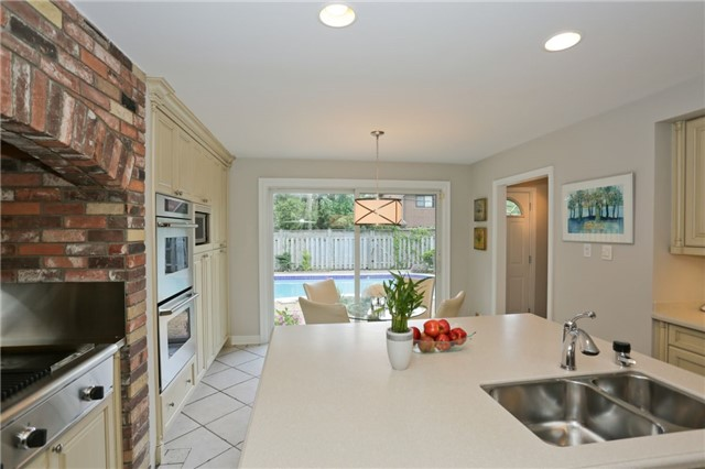 Detached at 86 Mill Rd, Toronto, Ontario. Image 16
