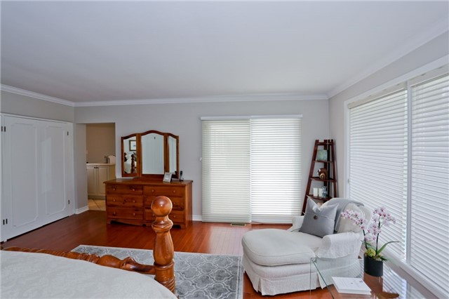 Detached at 86 Mill Rd, Toronto, Ontario. Image 2