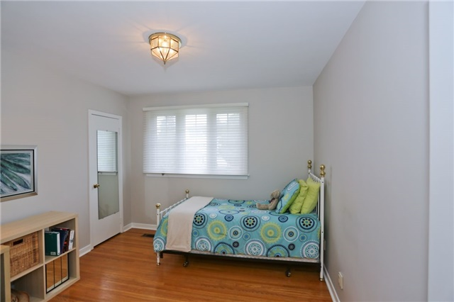 Detached at 86 Mill Rd, Toronto, Ontario. Image 6