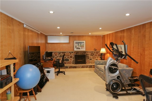 Detached at 86 Mill Rd, Toronto, Ontario. Image 9