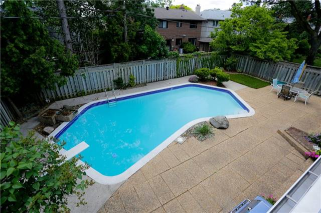 Detached at 86 Mill Rd, Toronto, Ontario. Image 10
