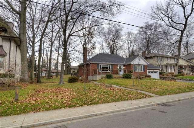 Detached at 3035 Woodland Park Dr, Burlington, Ontario. Image 11