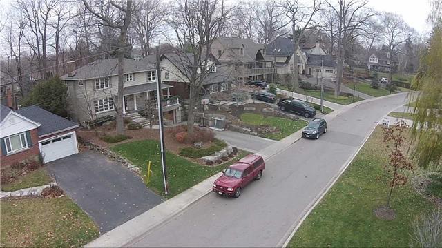 Detached at 3035 Woodland Park Dr, Burlington, Ontario. Image 16