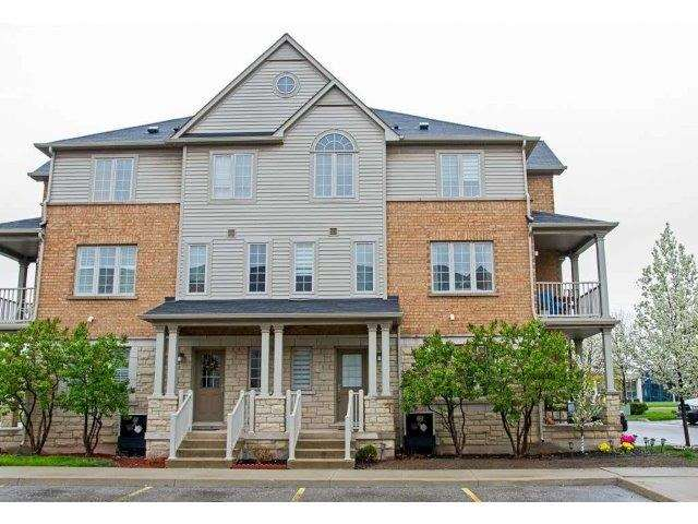 Townhouse at 624 Maude Common, Burlington, Ontario. Image 12