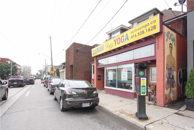 Store With Apartment/Office at 2283 Dundas St W, Toronto, Ontario. Image 14