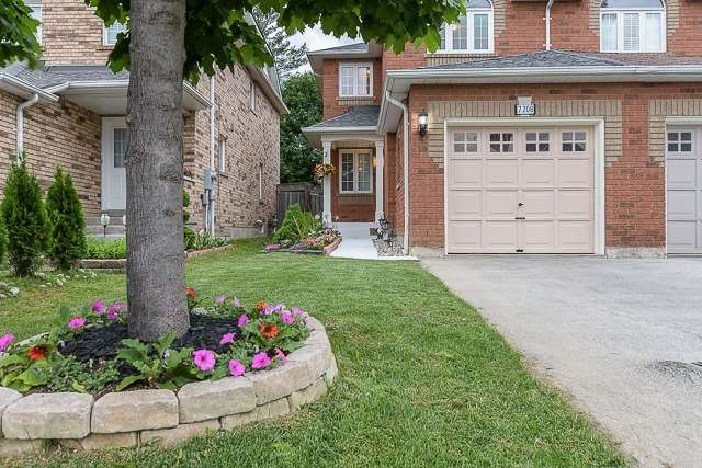 Semi-detached at 7208 Frontier Rdge, Mississauga, Ontario. Image 12