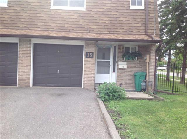 Condo Townhouse at 3860 Morning Star Dr, Unit 15, Mississauga, Ontario. Image 1