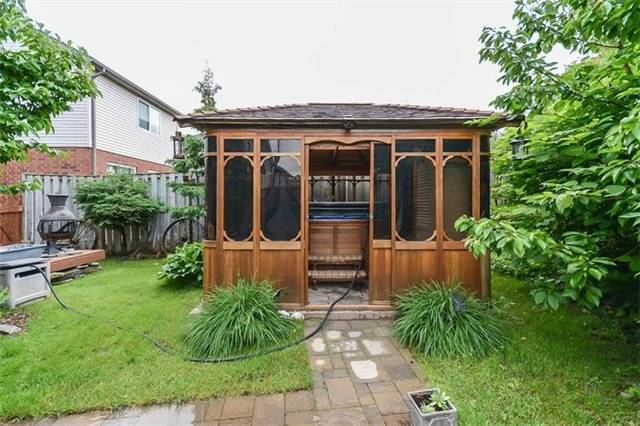 Detached at 31 Settlers Rd, Orangeville, Ontario. Image 9