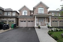 Detached at 25 Fossil St, Brampton, Ontario. Image 1