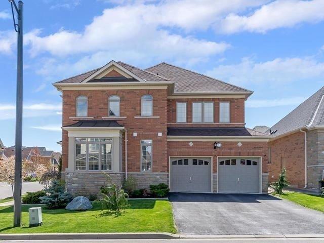 Detached at 64 Playfair Terr, Milton, Ontario. Image 11