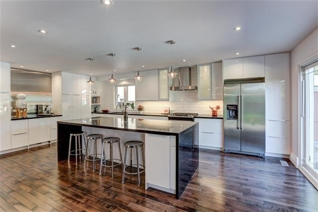 Detached at 3629 East Park Crt, Mississauga, Ontario. Image 12