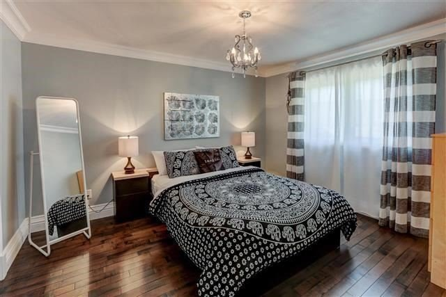 Detached at 3629 East Park Crt, Mississauga, Ontario. Image 6