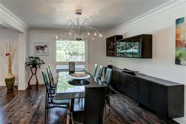 Detached at 3629 East Park Crt, Mississauga, Ontario. Image 9