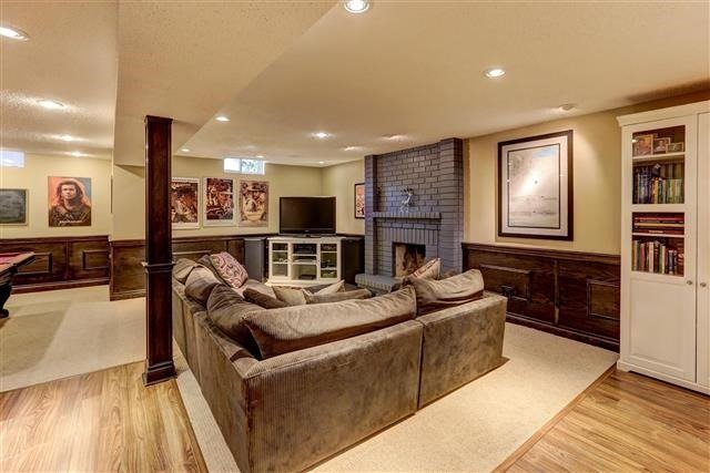 Detached at 3629 East Park Crt, Mississauga, Ontario. Image 11