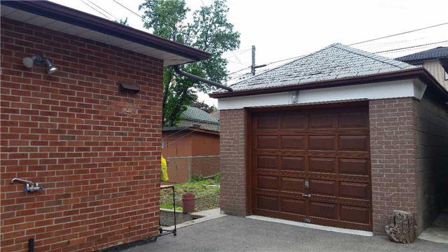 Semi-detached at 4 Bertram St, Toronto, Ontario. Image 11