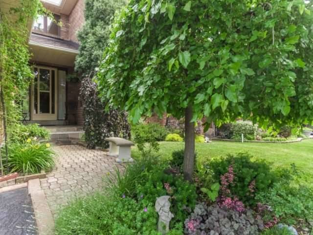 Detached at 1319 Greenwood Cres, Oakville, Ontario. Image 12