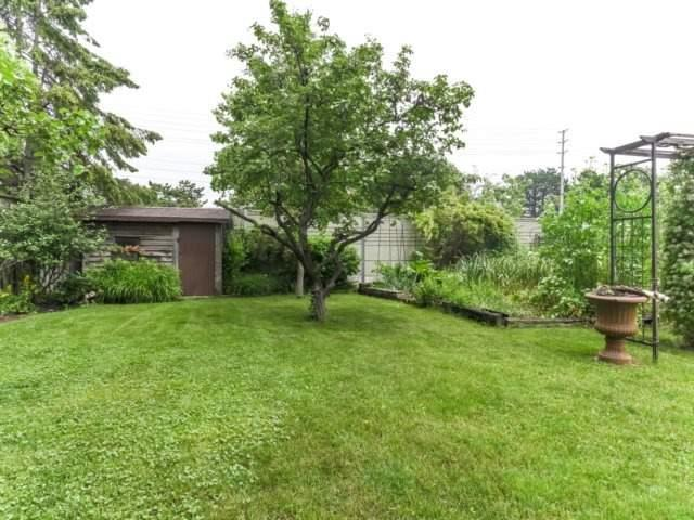 Detached at 1319 Greenwood Cres, Oakville, Ontario. Image 11