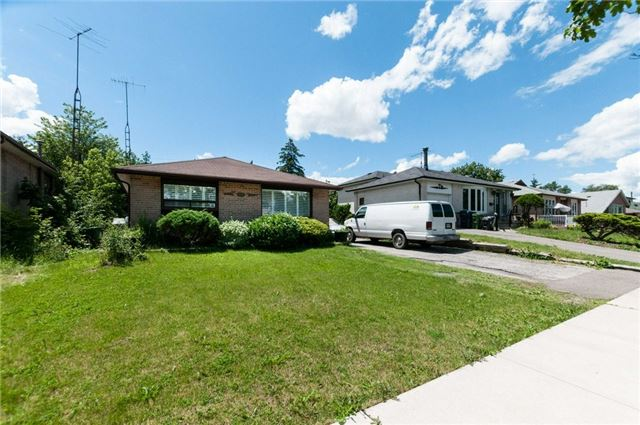 Detached at 14 Netherly Dr, Toronto, Ontario. Image 1