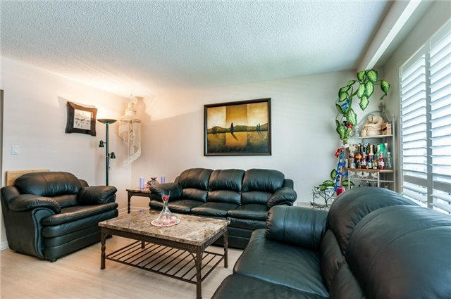 Detached at 14 Netherly Dr, Toronto, Ontario. Image 8