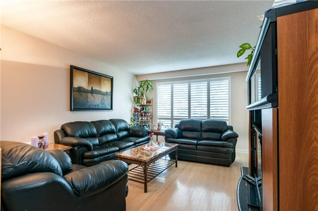 Detached at 14 Netherly Dr, Toronto, Ontario. Image 9