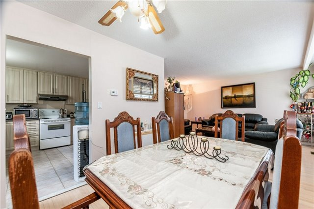 Detached at 14 Netherly Dr, Toronto, Ontario. Image 10