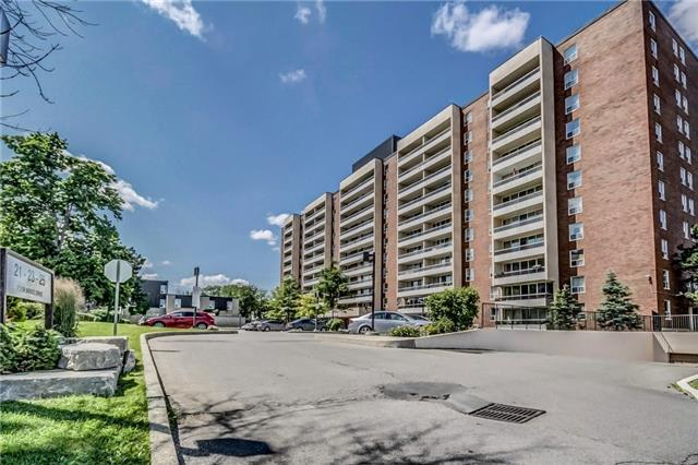 Condo Apartment at 25 Four Winds Dr, Unit 307, Toronto, Ontario. Image 1