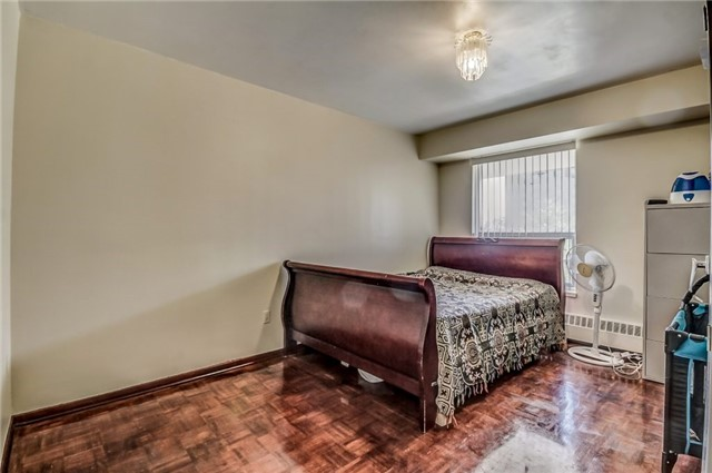 Condo Apartment at 25 Four Winds Dr, Unit 307, Toronto, Ontario. Image 18