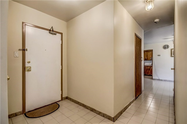 Condo Apartment at 25 Four Winds Dr, Unit 307, Toronto, Ontario. Image 11