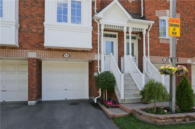 Condo Townhouse at 6060 Snowy Owl Cres, Unit 43, Mississauga, Ontario. Image 10