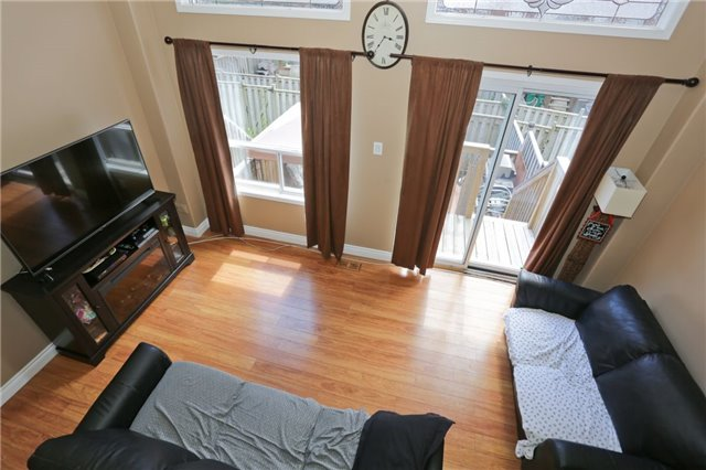 Condo Townhouse at 6060 Snowy Owl Cres, Unit 43, Mississauga, Ontario. Image 2