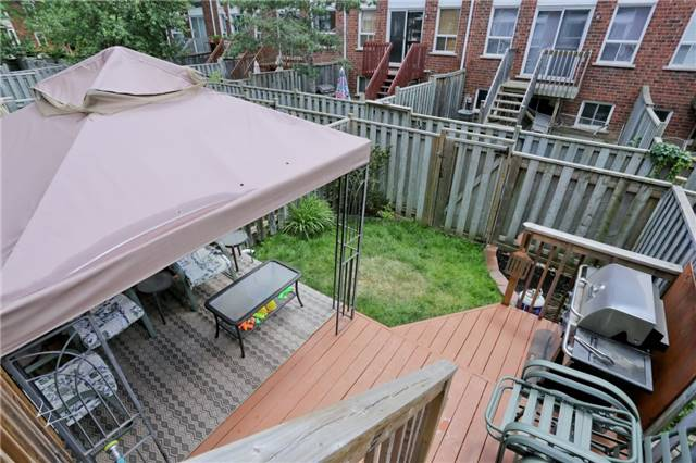 Condo Townhouse at 6060 Snowy Owl Cres, Unit 43, Mississauga, Ontario. Image 5