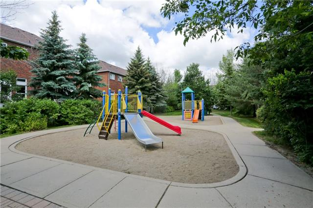 Condo Townhouse at 6060 Snowy Owl Cres, Unit 43, Mississauga, Ontario. Image 8