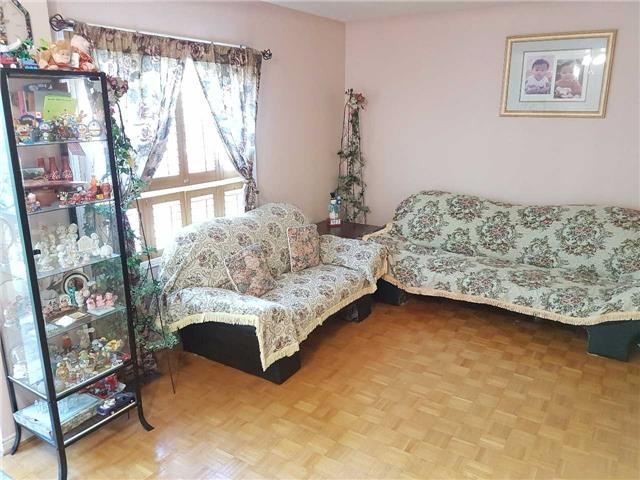 Condo Townhouse at 734 Winterton Way, Unit 4, Mississauga, Ontario. Image 12