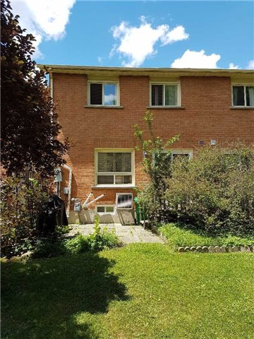 Condo Townhouse at 734 Winterton Way, Unit 4, Mississauga, Ontario. Image 6