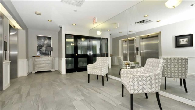 Condo Apartment at 20 Mcfarlane Dr, Unit 709, Halton Hills, Ontario. Image 3