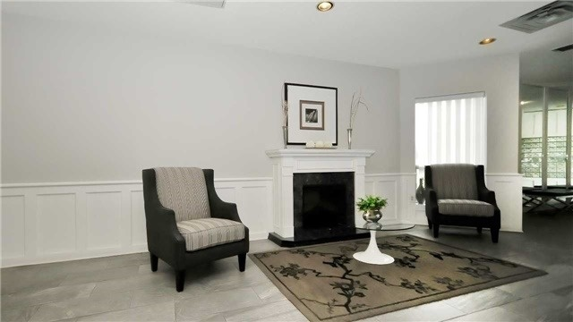 Condo Apartment at 20 Mcfarlane Dr, Unit 709, Halton Hills, Ontario. Image 4