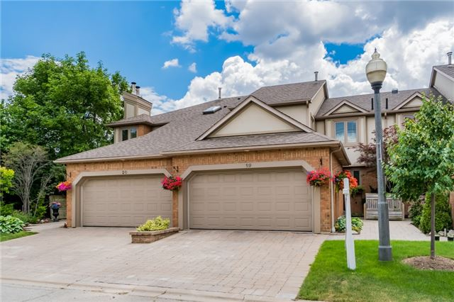 Condo Townhouse at 1724 The Chase Dr, Unit 19, Mississauga, Ontario. Image 1