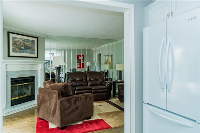 Condo Townhouse at 1724 The Chase Dr, Unit 19, Mississauga, Ontario. Image 2