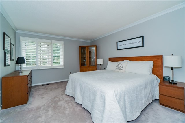 Condo Townhouse at 1724 The Chase Dr, Unit 19, Mississauga, Ontario. Image 5