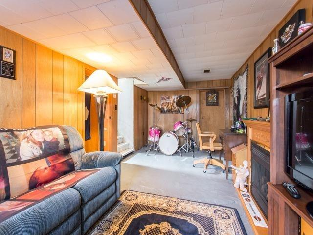 Detached at 16218 Airport Rd, Caledon, Ontario. Image 9