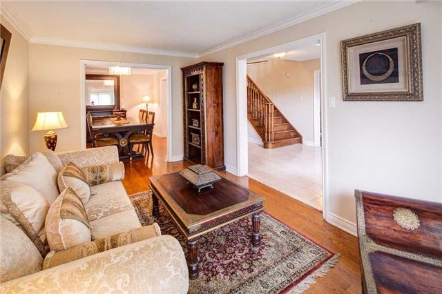 Detached at 943 Ceremonial Dr, Mississauga, Ontario. Image 15