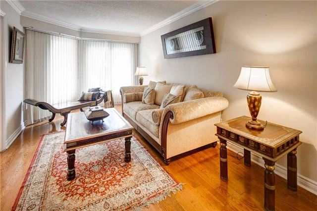 Detached at 943 Ceremonial Dr, Mississauga, Ontario. Image 16