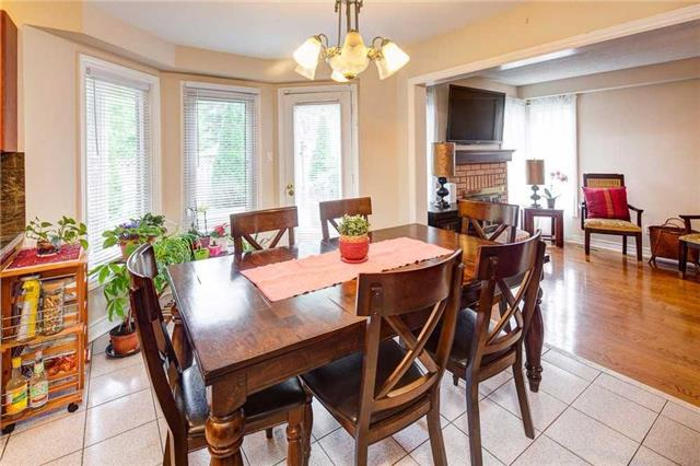 Detached at 943 Ceremonial Dr, Mississauga, Ontario. Image 20