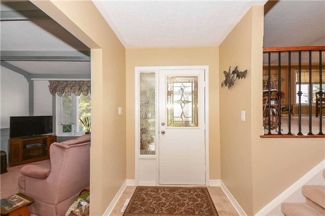 Detached at 399 Kingsview Dr, Caledon, Ontario. Image 14