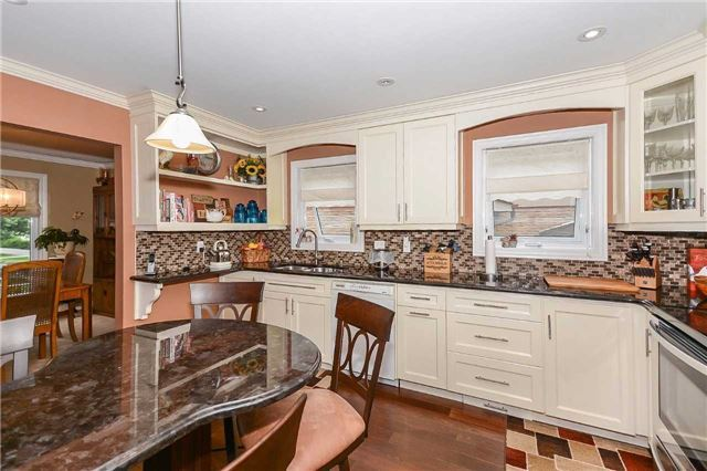 Detached at 399 Kingsview Dr, Caledon, Ontario. Image 19
