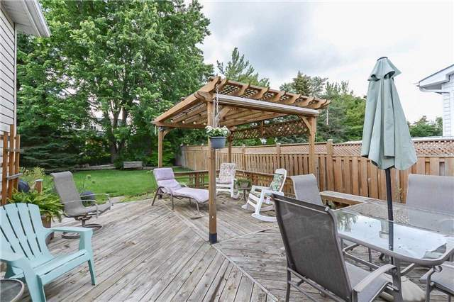 Detached at 399 Kingsview Dr, Caledon, Ontario. Image 10