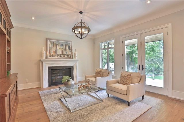 Detached at 268 Eastcourt Rd, Oakville, Ontario. Image 2