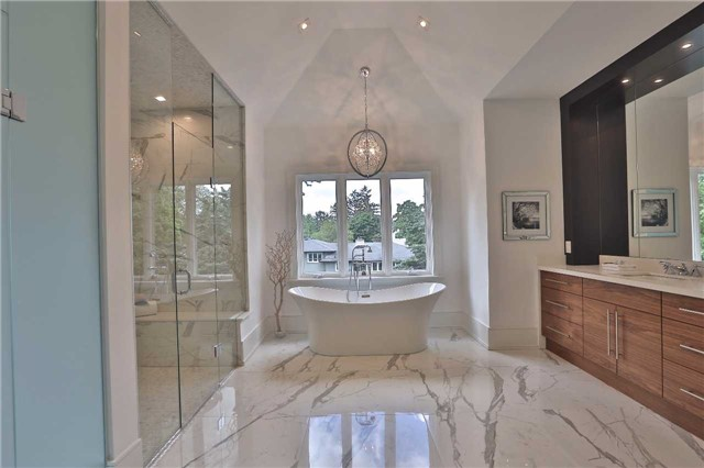 Detached at 268 Eastcourt Rd, Oakville, Ontario. Image 7